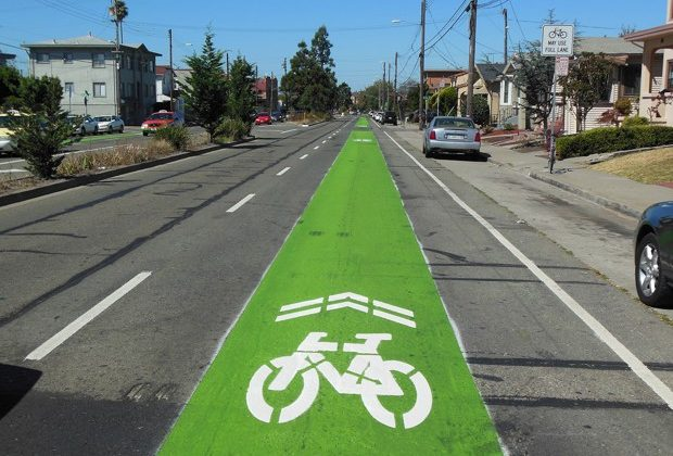 Super sharrow in Oakland, CA Photo credit CityLab